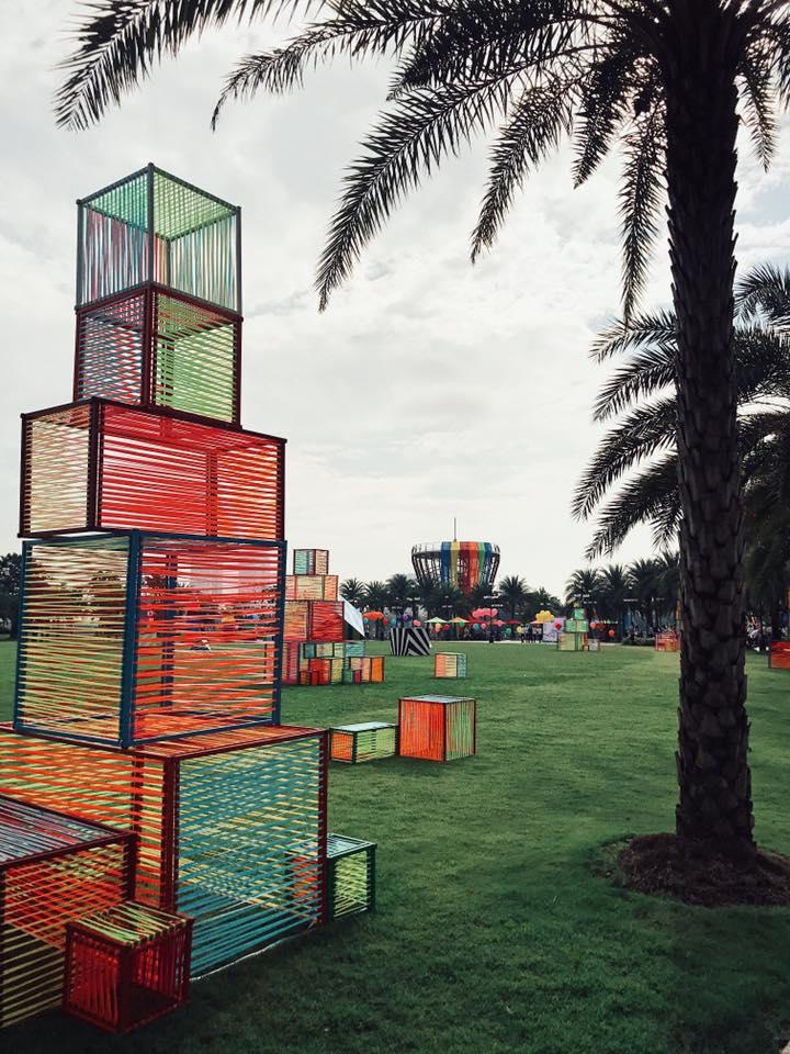 Công viên đầy màu sắc khi sắp diễn ra các chương trình vui chơi